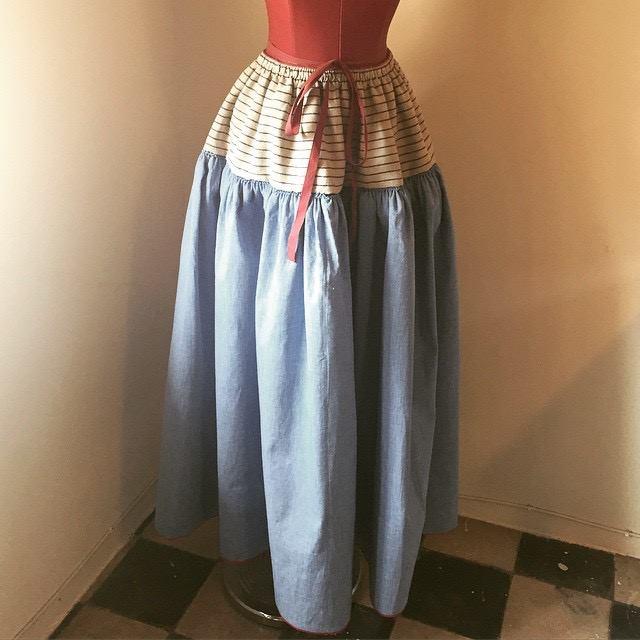 bel-colom-falda-rustica-blava